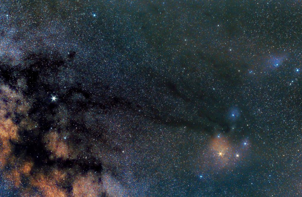 Fotografía de la via lactea y nebulosas de colores