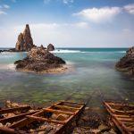 Fotografía del Arrecife de las Sirenas en Almería desde el embarcadero