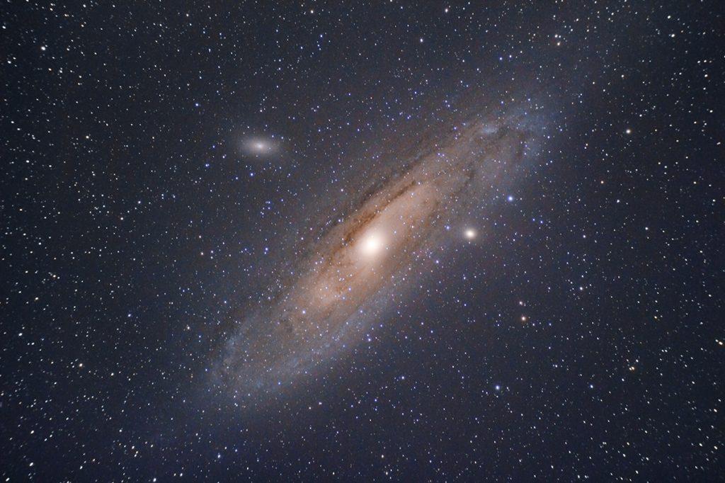 Galaxia de Andrómeda fotografiada con Skywatcher 72ED y Skywatcher Star Adventurer